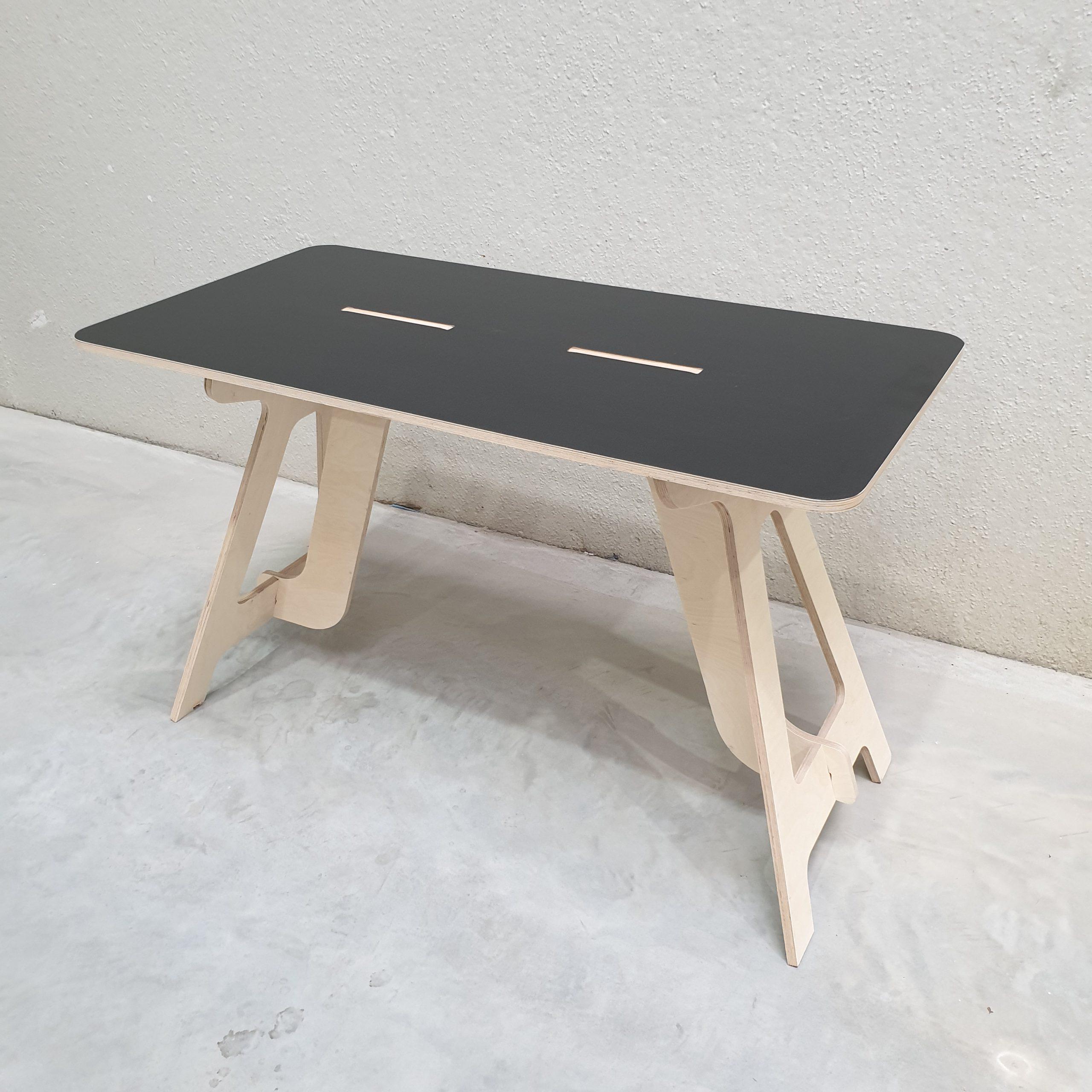 Combi kleur desk